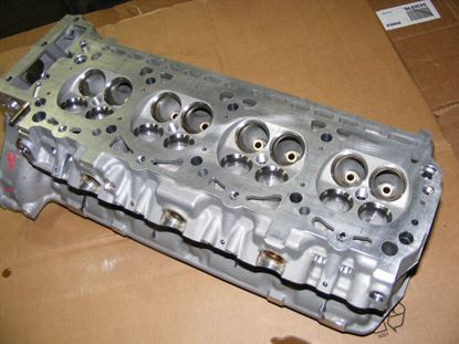 Picture of Cylinder head, right 500SL 90-91, 1190103820