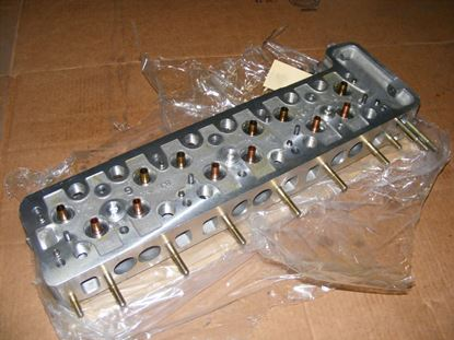 Picture of Cylinder head, 250/8,280S 70-73 1300102421-sold