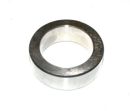 Picture of crankshaft seal spacer, 1100310051