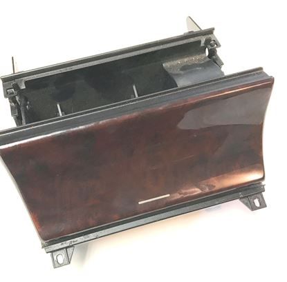 Picture of Mercedes ashtray 2106800252